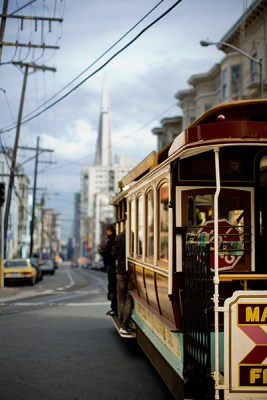 Another cable car, with the famous Transamerica Building.